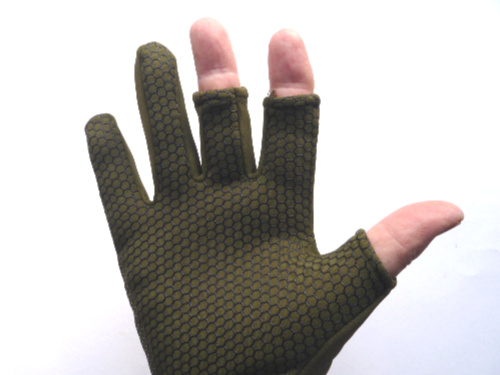 Nonskid palm on olive glove
