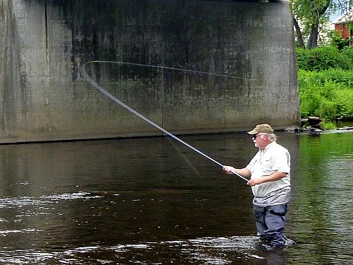 Fred Krowchenko of Spey Casting North East demonstrating the two handed cast.
